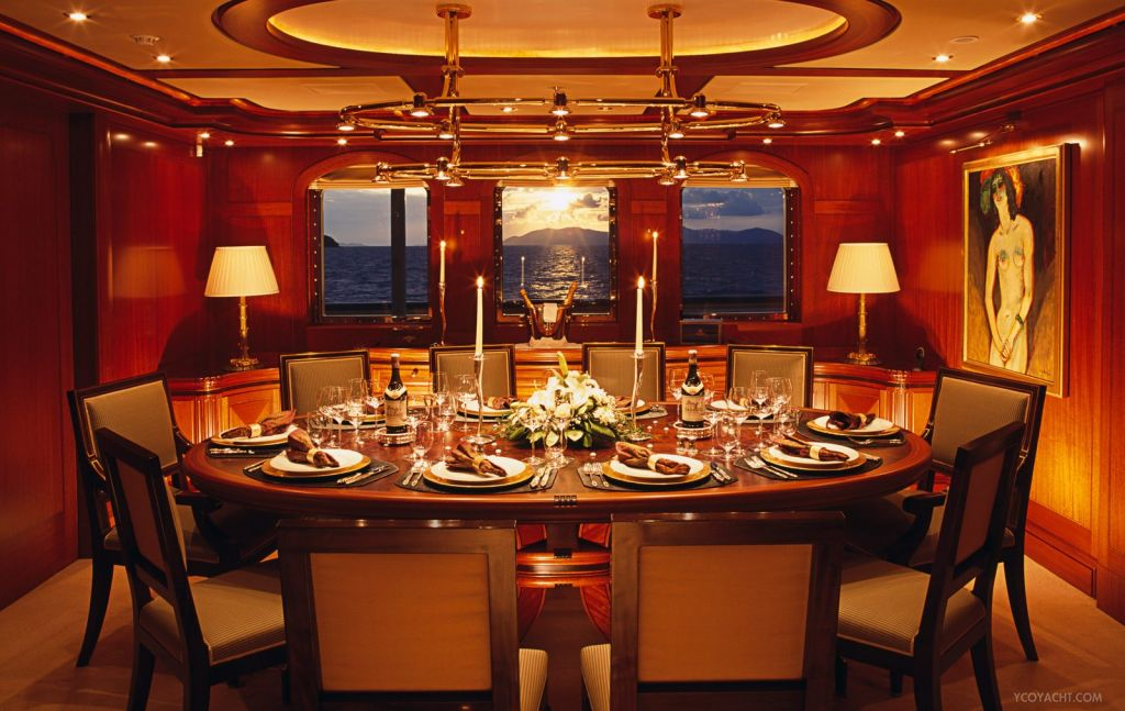 Athena dinner table